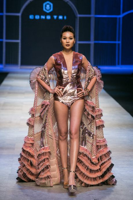 Thanh Hang khang dinh dang cap khi lam vedette hai show lien tiep - Anh 2