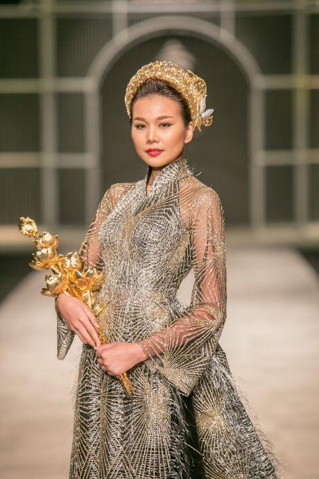 Thanh Hang khang dinh dang cap khi lam vedette hai show lien tiep - Anh 4