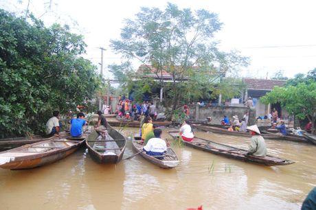 Mua lu o Quang Binh lam 17 nguoi thuong vong - Anh 1