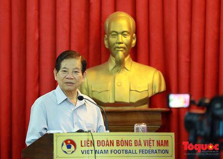 Nguyen Chu tich nuoc Nguyen Minh Triet danh gia cao dao tao bong da tre, phong trao - Anh 5