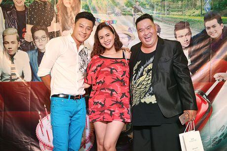Huy Khanh, Vy Oanh den chuc mung sinh nhat Hoang Map - Anh 6
