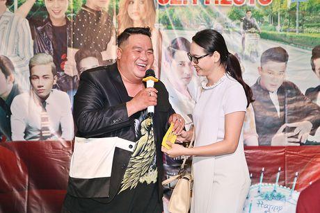 Huy Khanh, Vy Oanh den chuc mung sinh nhat Hoang Map - Anh 8