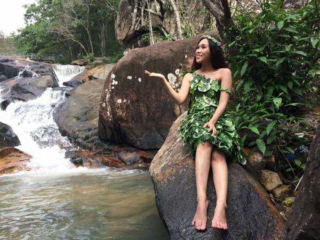 Chau gai Vu Linh cover bai hat cua co nghe si Thanh Nga - Anh 1
