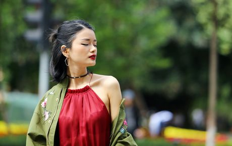 Street style thu dong doi lap cua gioi tre Viet - Anh 1