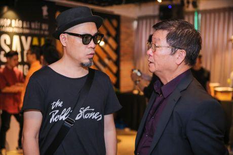 Bo me ve nuoc chuc mung Trong Hieu ra mat MV moi - Anh 6