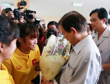 Nguyen Chu tich nuoc Nguyen Minh Triet tham cac DTQG - Anh 3