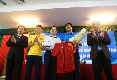 Nguyen Chu tich nuoc Nguyen Minh Triet tham cac DTQG - Anh 5