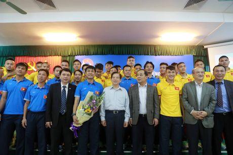 Nguyen Chu tich nuoc Nguyen Minh Triet tham cac DTQG - Anh 7