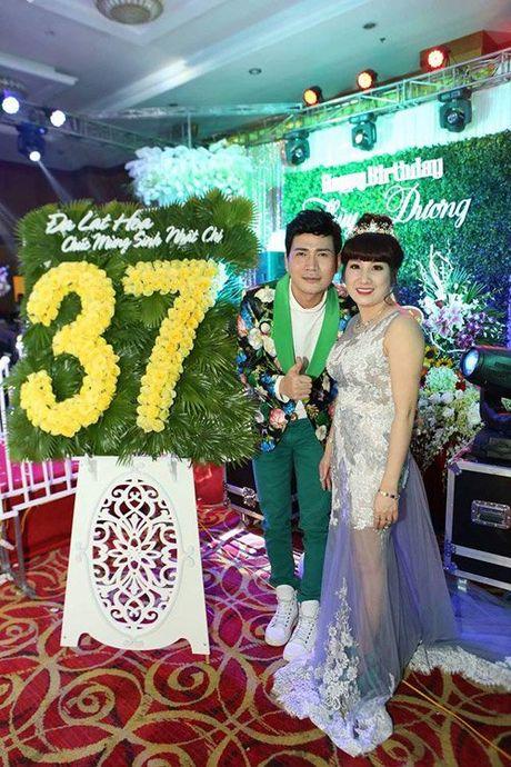 Tiec sinh nhat dai gia Thai Binh: Bao tron goi 50 dien vien, ca si - Anh 7