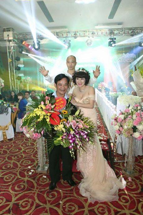 Tiec sinh nhat dai gia Thai Binh: Bao tron goi 50 dien vien, ca si - Anh 8