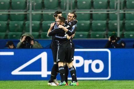 Legia Warszawa 3-3 Real Madrid: Dan truoc 2 ban nhung Real suyt thua soc - Anh 1