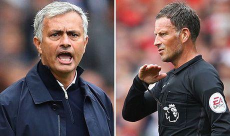 Mourinho bi cam chi dao va phat tien vi lang ma trong tai - Anh 2