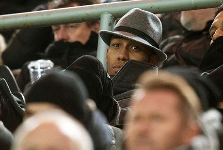 Dortmund bat ngo treo gio Aubameyang, tao hy vong cho Man United - Anh 2