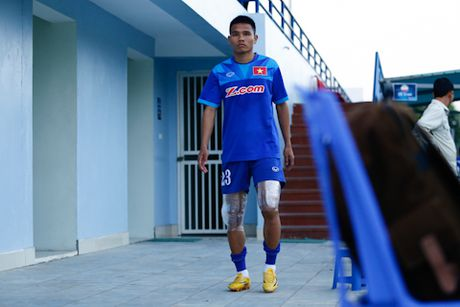 'Fan' cuong vay kin san tap, san anh Cong Vinh, Van Toan - Anh 6