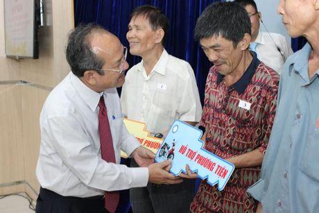 Ban van dong Vi nguoi ngheo TP.HCM don nhan Huan chuong Lao dong hang Nhi - Anh 2