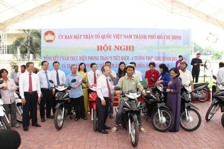 Ban van dong Vi nguoi ngheo TP.HCM don nhan Huan chuong Lao dong hang Nhi - Anh 4