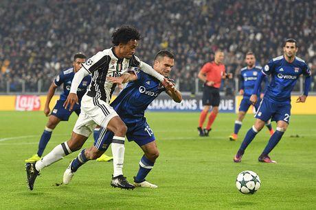 Toan canh tran dau Juventus danh roi 2 diem truoc Lyon - Anh 10