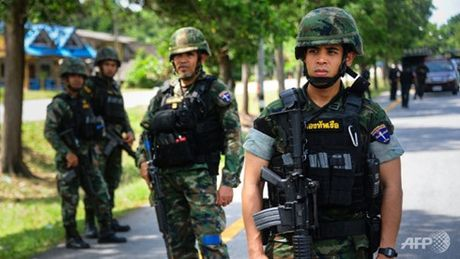 Tan cong hang loat o mien Nam Thai Lan, 3 nguoi thiet mang - Anh 1
