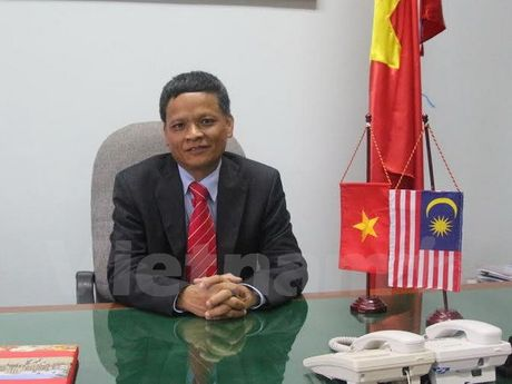 Dai dien Viet Nam cam ket dong gop tich cuc cho Uy ban Luat phap quoc - Anh 1