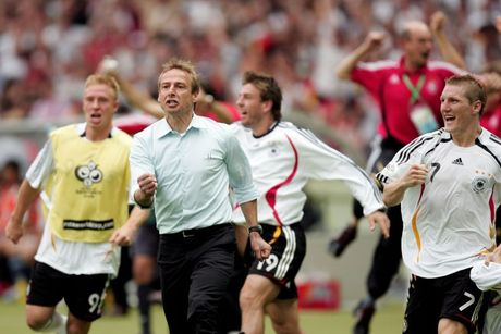 Klinsmann duoc tang danh hieu cao quy nhat cua bong da Duc - Anh 5