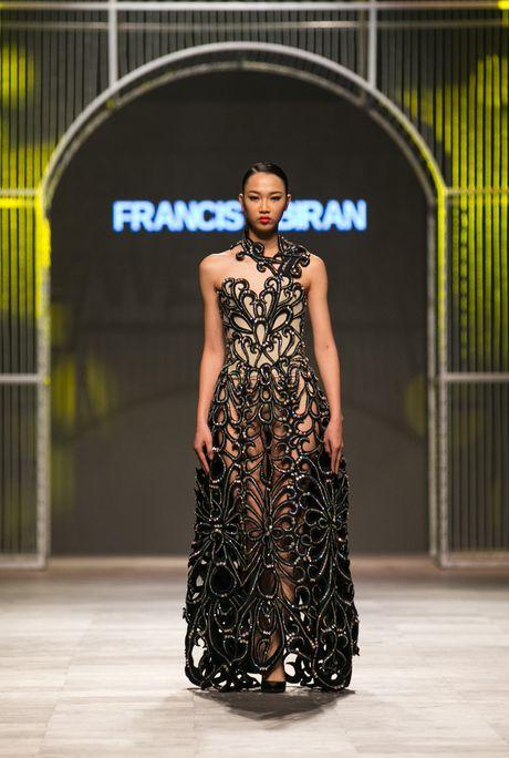 Nhung chiec dam long lay, an tuong cua nha thiet ke Francis Libiran - Anh 2