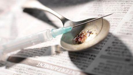 My: Me va ban trai tiem heroin cho 3 con de ngu - Anh 2