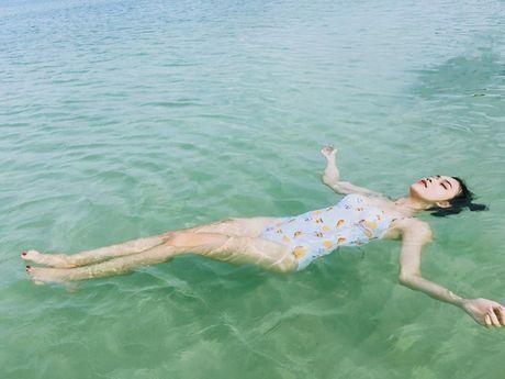 Nu sinh Hoc vien Hang khong 'dot mat' voi bikini - Anh 6