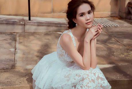 Ngoc Trinh gay bao vi status 'La dan ong thi nen kiem loi xin loi' - Anh 1