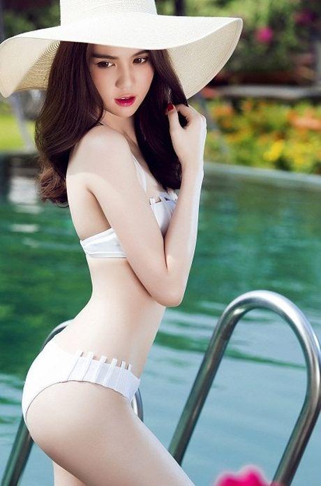 Ngoc Trinh gay bao vi status 'La dan ong thi nen kiem loi xin loi' - Anh 2
