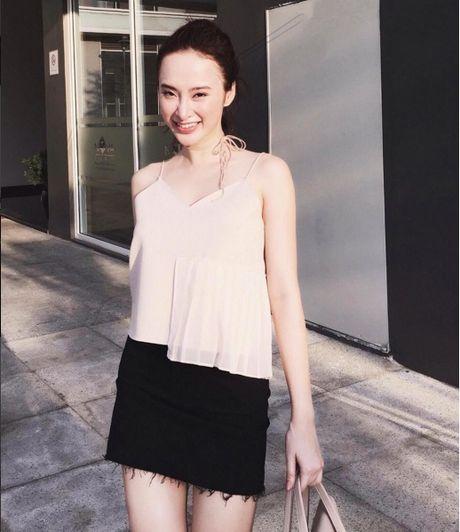 Mac do binh dan, Angela Phuong Trinh van sexy kho cuong - Anh 10
