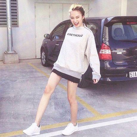 Mac do binh dan, Angela Phuong Trinh van sexy kho cuong - Anh 12