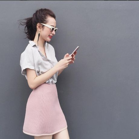 Mac do binh dan, Angela Phuong Trinh van sexy kho cuong - Anh 4