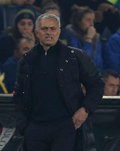 11 thong ke cho thay Mourinho dang bat luc voi M.U - Anh 2