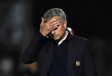 11 thong ke cho thay Mourinho dang bat luc voi M.U - Anh 3