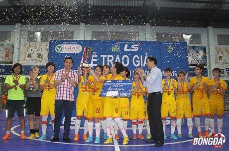 Ket thuc giai futsal nu TP.HCM: Phong Phu Ha Nam len ngoi vo dich - Anh 1