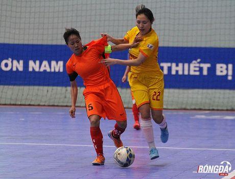 Ket thuc giai futsal nu TP.HCM: Phong Phu Ha Nam len ngoi vo dich - Anh 2