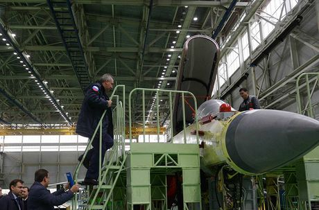 Tham noi che tao tiem kich MiG-35 cuc ky nguy hiem - Anh 1