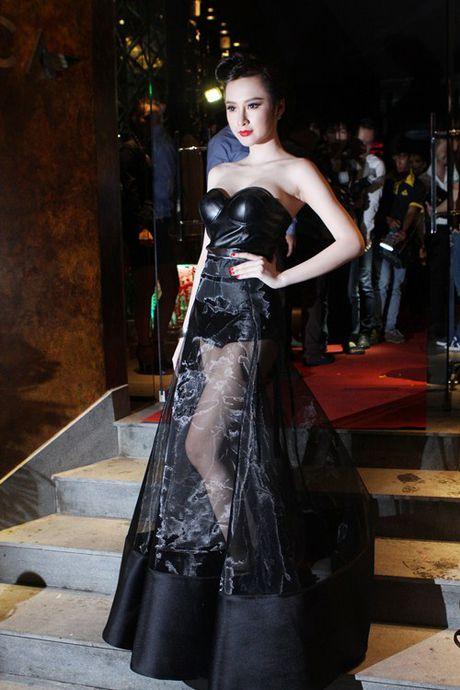 Loat dam ho bao sexy vo doi cua Angela Phuong Trinh - Anh 14