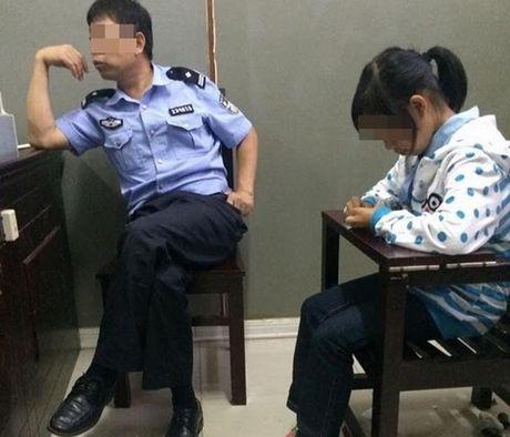 Bo cua be gai nguoi Viet mang thai o Trung Quoc nhan con - Anh 1