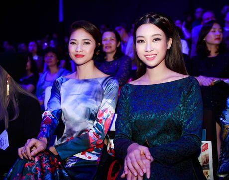 My Linh, Thanh Tu dien ao dai 'doc' di xem thoi trang - Anh 6