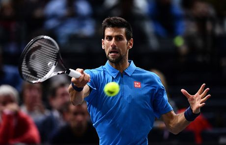 Paris Masters 2016: Murray gay suc ep len Djokovic - Anh 2