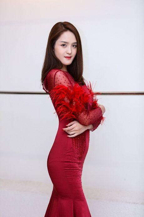 A hau Hoang Anh tai xuat sau nua nam vang bong - Anh 2
