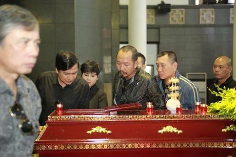 NSUT Van Toan, Chieu Xuan bat khoc nuc no tien dua NSUT Pham Bang - Anh 13