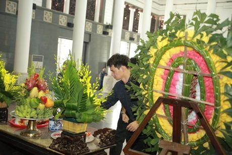 NSUT Van Toan, Chieu Xuan bat khoc nuc no tien dua NSUT Pham Bang - Anh 14