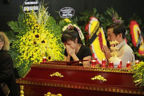 NSUT Van Toan, Chieu Xuan bat khoc nuc no tien dua NSUT Pham Bang - Anh 20
