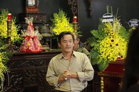NSUT Van Toan, Chieu Xuan bat khoc nuc no tien dua NSUT Pham Bang - Anh 21