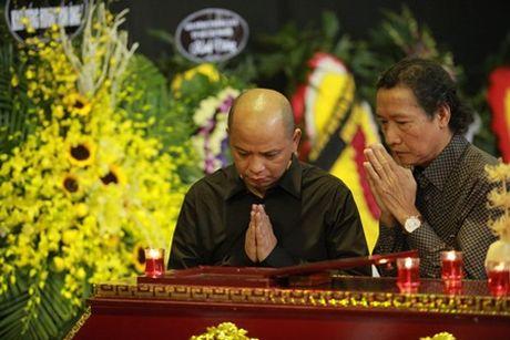 NSUT Van Toan, Chieu Xuan bat khoc nuc no tien dua NSUT Pham Bang - Anh 25