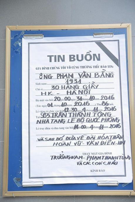 NSUT Van Toan, Chieu Xuan bat khoc nuc no tien dua NSUT Pham Bang - Anh 2