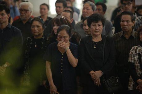 NSUT Van Toan, Chieu Xuan bat khoc nuc no tien dua NSUT Pham Bang - Anh 37