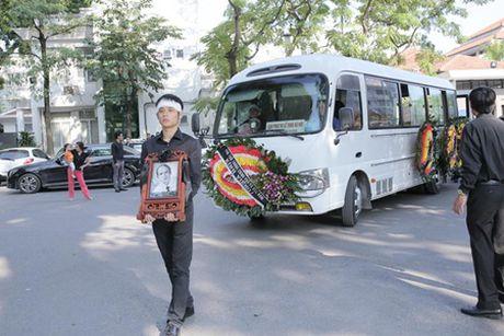 NSUT Van Toan, Chieu Xuan bat khoc nuc no tien dua NSUT Pham Bang - Anh 40